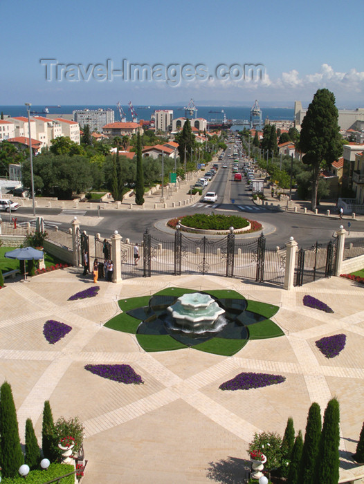 israel315: Haifa, Israel: fountain - base of Mount Carmel - photo by E.Keren - (c) Travel-Images.com - Stock Photography agency - Image Bank