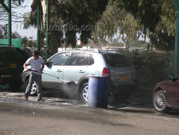 israel317: Israel - Herzliya: car wash - photo by E.Keren - (c) Travel-Images.com - Stock Photography agency - Image Bank