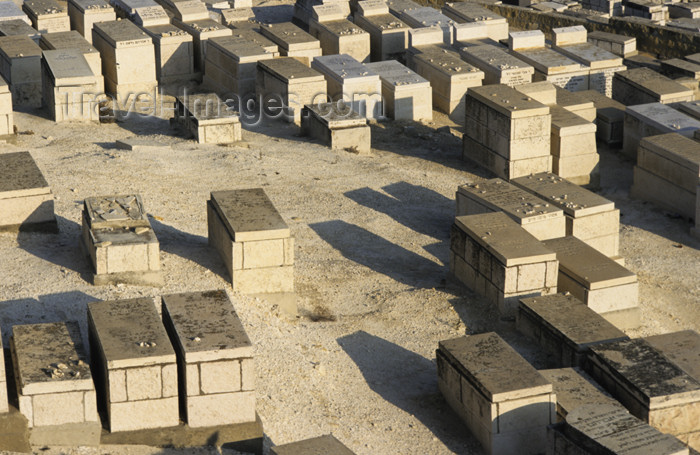 israel334: Israel - Jerusalem - Jewish cemetery - Mount of the Olives - photo by Walter G. Allgöwer - (c) Travel-Images.com - Stock Photography agency - Image Bank