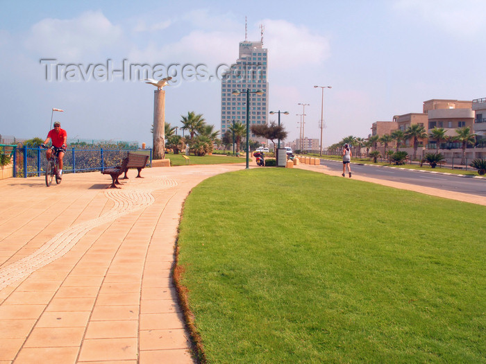israel357: Netanya, Center district, Israel: shore side promenade - photo by E.Keren - (c) Travel-Images.com - Stock Photography agency - Image Bank