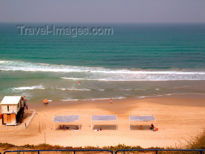 israel360: Netanya, Center district, Israel: a day at the beach - photo by E.Keren - (c) Travel-Images.com - Stock Photography agency - Image Bank