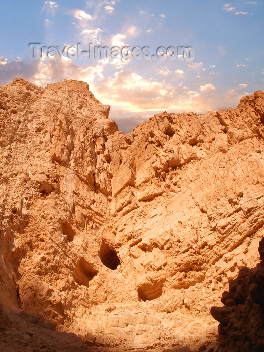 israel366: Ein Gedi oasis and National Park, South district, Israel: sky and the rocky Judean desert - photo by E.Keren - (c) Travel-Images.com - Stock Photography agency - Image Bank