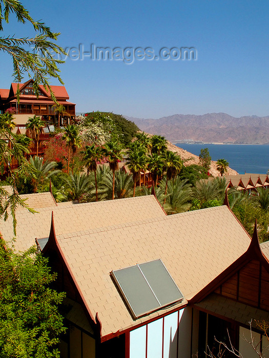 israel370: Eilat, South district, Israel: bungalows and the Red sea - Eilat gulf - photo by E.Keren - (c) Travel-Images.com - Stock Photography agency - Image Bank
