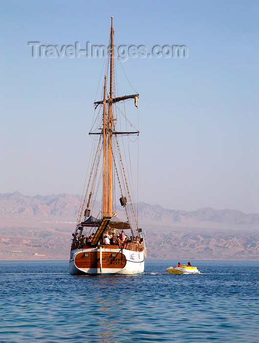israel373: Eilat, South district, Israel: sailing boat L'Amie, used for tours in the Red Sea - Mifratz Eilat - photo by E.Keren - (c) Travel-Images.com - Stock Photography agency - Image Bank