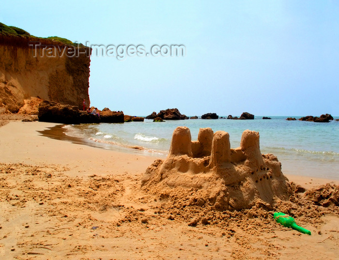 israel375: Kibbutz Sdot Yam, Israel: sand castle - beach scene - photo by E.Keren - (c) Travel-Images.com - Stock Photography agency - Image Bank
