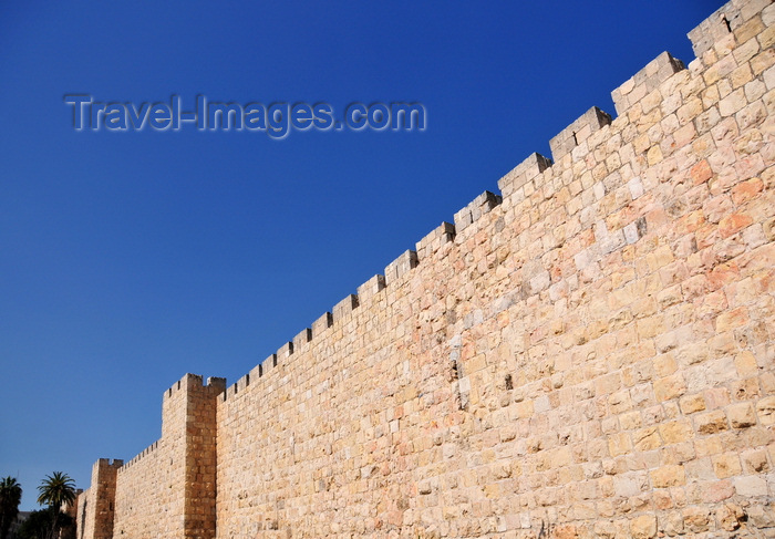 israel424: Jerusalem, Israel: west side of the city walls - built between 1535 and 1538, under the Ottoman Empire, by Sultan Suleiman I - photo by M.Torres - (c) Travel-Images.com - Stock Photography agency - Image Bank