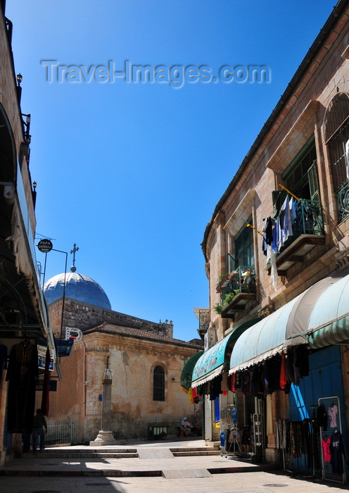 israel433: Jerusalem, Israel: silver dome of the Greek-Orthodox Church of St. John the Baptist and shops with awnings of Suq Aftimos - built in the 11th C over the ruins of an earlier 5th C Byzantine church - Muristan, Christian quarter - photo by M.Torres - (c) Travel-Images.com - Stock Photography agency - Image Bank