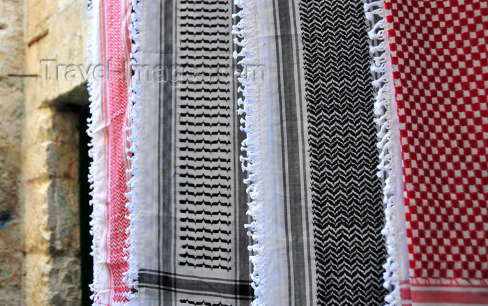 israel459: Jerusalem, Israel: keffiyeh / kufiya / ghutrah / shemagh - traditional Arab headdress, a square cotton scarf with a woven check pattern - made famous as the Palestinean scarf - Via Dolorosa - photo by M.Torres - (c) Travel-Images.com - Stock Photography agency - Image Bank