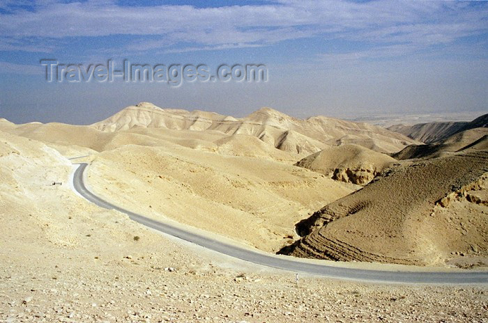israel64: Israel - Negev desert, South District: road - photo by J.Kaman - (c) Travel-Images.com - Stock Photography agency - Image Bank