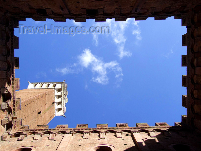 italy112: Italy / Italia - Siena (Toscany / Toscana / Toscania) / FLR : inner court - Torre del Mangia- Historic Centre of Siena - Unesco world heritage - photo by M.Bergsma - (c) Travel-Images.com - Stock Photography agency - Image Bank