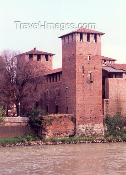 italy12: Verona  - Venetia / Veneto, Italy: castelvecchio - photo by M.Torres - (c) Travel-Images.com - Stock Photography agency - Image Bank