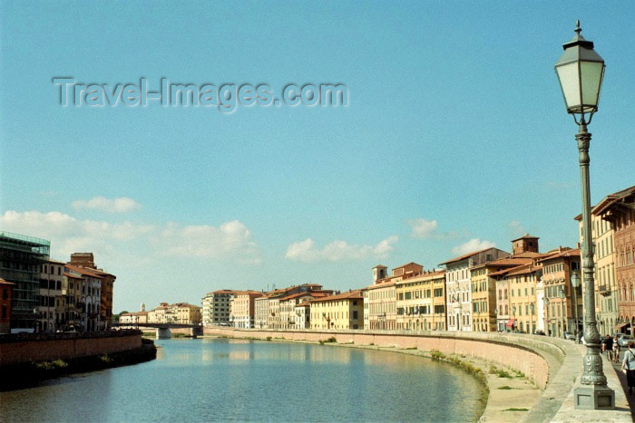 italy130: Italy / Italia - Pisa: on the river Arno - photo by M.Bergsma - (c) Travel-Images.com - Stock Photography agency - Image Bank