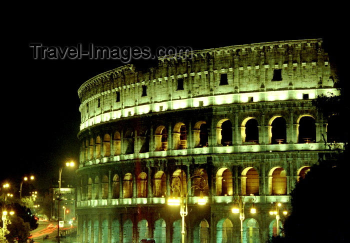 italy133: Italy / Italia - Rome: il Colosseo Romano - the coliseum - nocturnal (photo by M.Bergsma) - (c) Travel-Images.com - Stock Photography agency - Image Bank