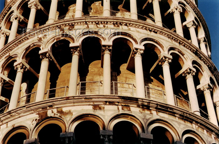 italy149: Italy / Italia - Pisa (Toscany / Toscana) / FLR : the leaning tower - Pisa tower - photo by  J.Rabindra - (c) Travel-Images.com - Stock Photography agency - Image Bank