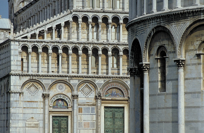 italy163: Italy / Italia - Pisa ( Toscany / Toscana ) / PSA : the Duomo - Cathedral - detail (photo by Stefano Lupi) - (c) Travel-Images.com - Stock Photography agency - Image Bank