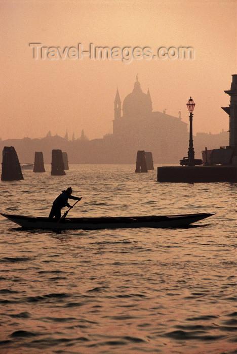 italy211: Italy / Italia - Venice: Canal Grande - silhouette of the the Zitelle church -  Santa Maria della Presentazione (photo by M.Gunselman) - (c) Travel-Images.com - Stock Photography agency - Image Bank