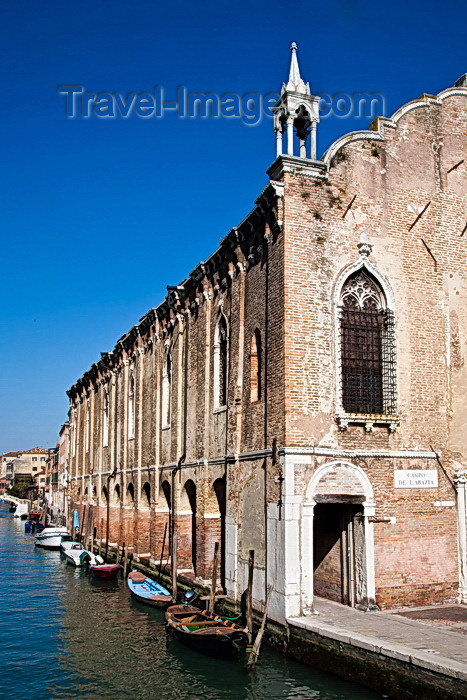 italy239: From Ponte de l'Abazia, Venice - photo by A.Beaton - (c) Travel-Images.com - Stock Photography agency - Image Bank