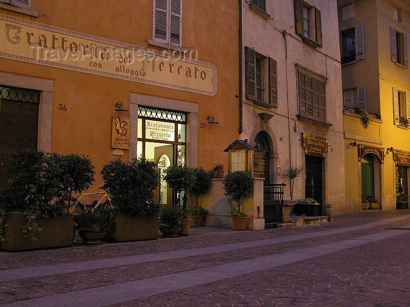 italy348: Italy - Chiavenna, Sondrio province, Lombardy: Trattoria de Mercato - restaurant - photo by J.Kaman - (c) Travel-Images.com - Stock Photography agency - Image Bank