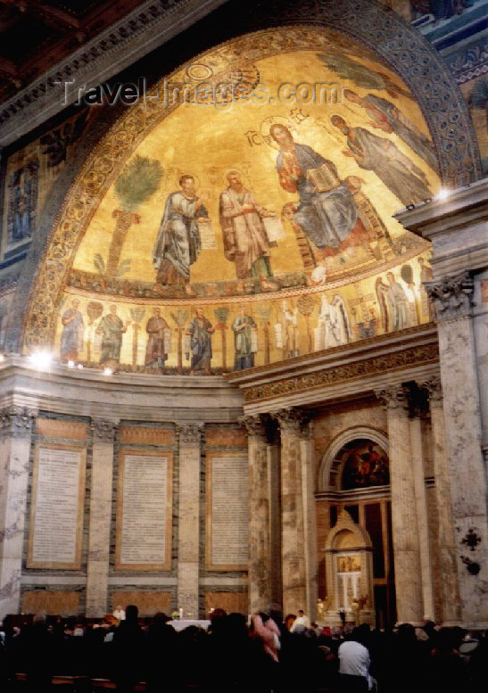 italy36: Italy / Italia - Rome / Roma / FCO / CIA (Lazio): mass at Basilica di S. Paolo - Eucharist - missa - photo by M.Torres - (c) Travel-Images.com - Stock Photography agency - Image Bank