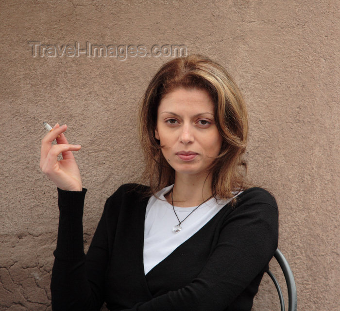 italy369: Rome, Italy - woman in an outside café - photo by A.Dnieprowsky / Travel-images.com - (c) Travel-Images.com - Stock Photography agency - Image Bank
