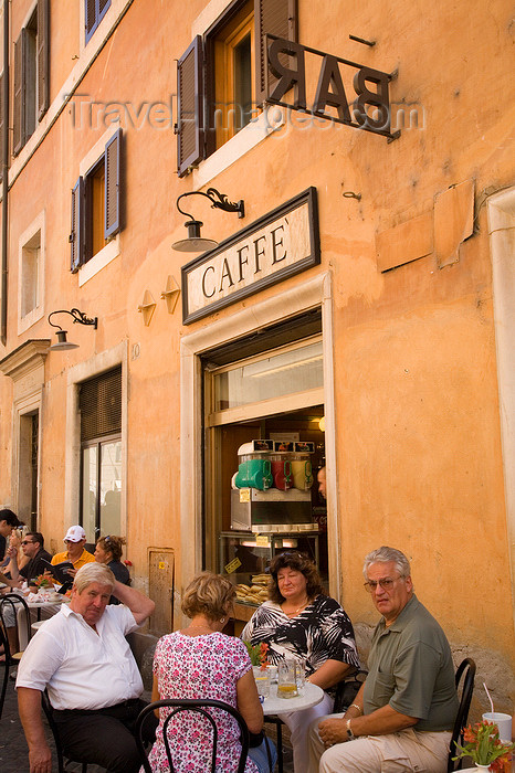 italy371: Rome, Italy: people sitting outside a cafe - photo by I.Middleton - (c) Travel-Images.com - Stock Photography agency - Image Bank