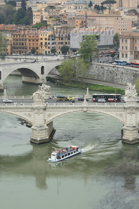 italy382: Rome, Italy - Vittorio Emanuele II and Principe Amedeo bridges - river Tiber / Tevere - photo by A.Dnieprowsky / Travel-images.com - (c) Travel-Images.com - Stock Photography agency - Image Bank