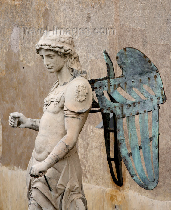 italy388: Rome, Italy - angel statue by Raffaello da Montelupo - Castel Sant' Angelo, Hadrian's mausoleum - photo by A.Dnieprowsky / Travel-images.com - (c) Travel-Images.com - Stock Photography agency - Image Bank