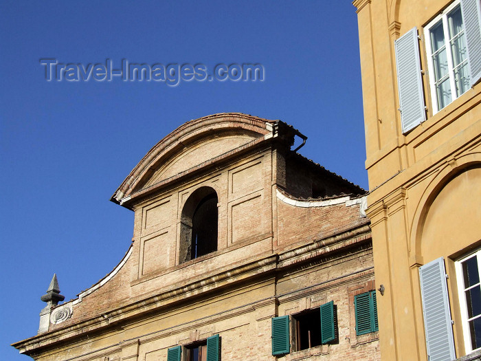 italy399: Italy / Italia - Siena  (Toscany / Toscana) / FLR : façades - photo by M.Bergsma - (c) Travel-Images.com - Stock Photography agency - Image Bank