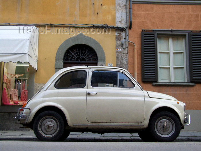 italy411: Pisa, Tuscany, Italy: Fiat 500 - very small Italian car - photo by M.Bergsma - (c) Travel-Images.com - Stock Photography agency - Image Bank