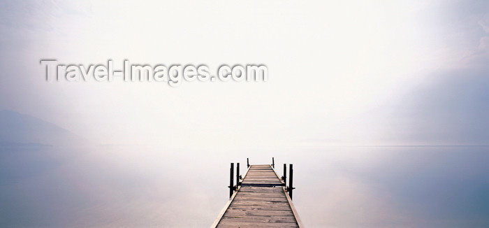 italy431: Italy - Lake Como / Lago di Como: pier - fog in a quiet morning  - photo by W.Allgower - (c) Travel-Images.com - Stock Photography agency - Image Bank