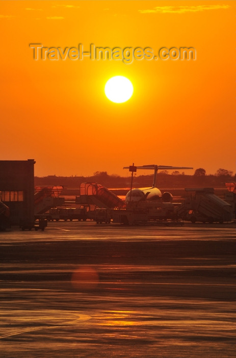 italy438: Rome, Italy: sunset - Fiumicino - Leonardo da Vinci Airport - photo by M.Torres - (c) Travel-Images.com - Stock Photography agency - Image Bank