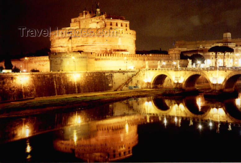 italy44: Italy / Italia - Rome: St Angelo castle - Mausoleum of Hadrian - photo by M.Torres - (c) Travel-Images.com - Stock Photography agency - Image Bank