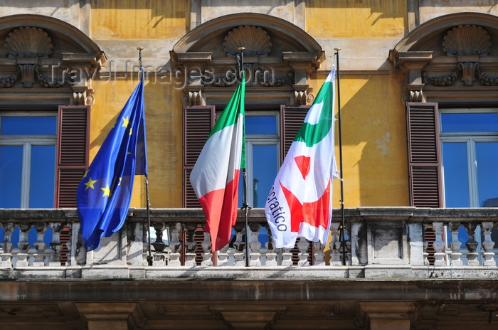 italy450: Rome, Italy: balcony of Partito Democratico - centre-left Italian political party - Via Nazionale 75 - photo by M.Torres - (c) Travel-Images.com - Stock Photography agency - Image Bank