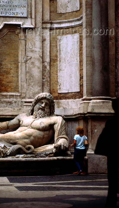 italy479: Rome, Italy: Marforio, one of the talking statues of Rome - Roman river-god statue now on a fountain by Giacomo Della Porta - Basilica di Santa Maria in Aracoeli - piazza del Campidoglio - photo by J.Fekete - (c) Travel-Images.com - Stock Photography agency - Image Bank