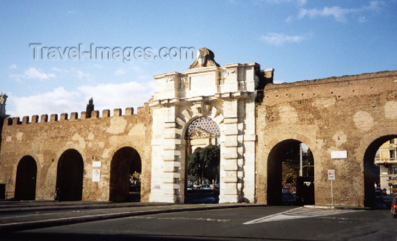 italy48: Italy / Italia - Rome: Porta S. Giovanni - wall of Caeser Marcus Aurelius - Via Appia - photo by M.Torres - (c) Travel-Images.com - Stock Photography agency - Image Bank
