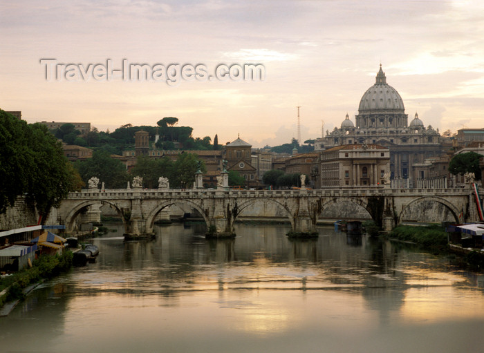 italy486: Rome, Italy: Ponte Sant'Angelo - bridge over Tiber - photo by J.Fekete - (c) Travel-Images.com - Stock Photography agency - Image Bank