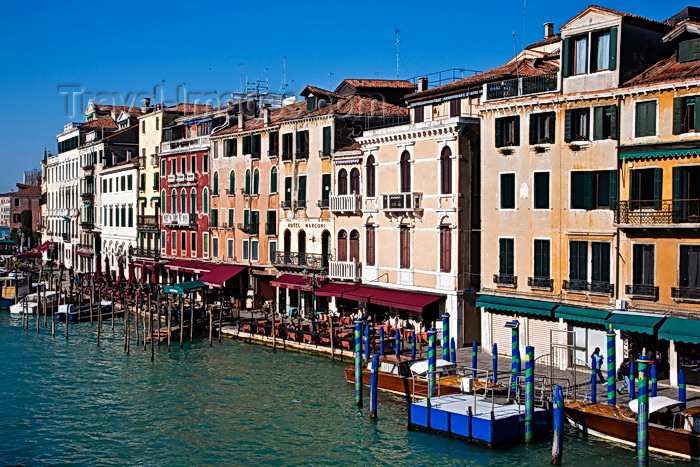 italy492: View of the Grand Canal from Rialto Bridge, Venice - photo by A.Beaton - (c) Travel-Images.com - Stock Photography agency - Image Bank