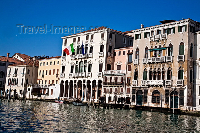 italy500: On the Grand Canal, Venice. - photo by A.Beaton - (c) Travel-Images.com - Stock Photography agency - Image Bank