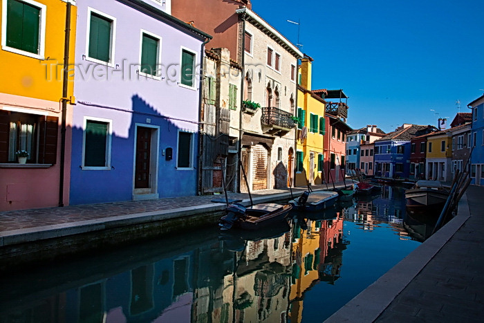 italy503: Burano, Colourful Painted Houses, Reflections, Venice - photo by A.Beaton - (c) Travel-Images.com - Stock Photography agency - Image Bank