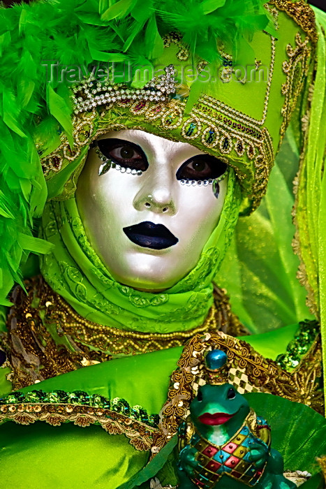 italy511: Carnival costumes, Carnival participant, Green costume & Mask, Venicve - photo by A.Beaton - (c) Travel-Images.com - Stock Photography agency - Image Bank