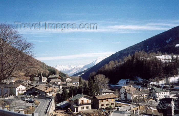 italy56: Etroubles (Valle d'Aosta, Italie) : in the valley - photo by M.Torres - (c) Travel-Images.com - Stock Photography agency - Image Bank
