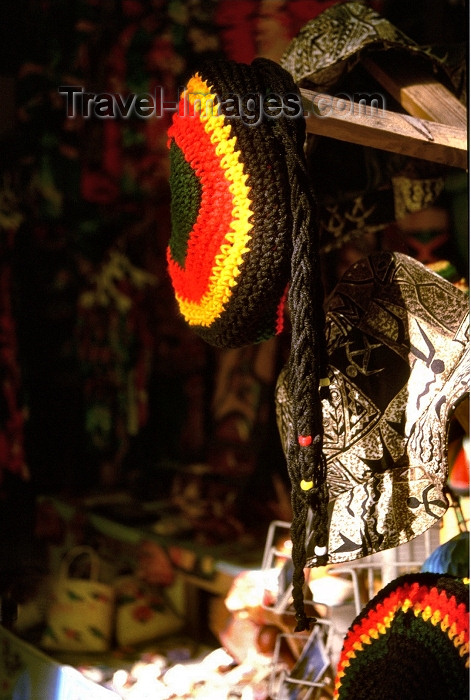 jamaica18: Jamaica - Montego Bay: Rastafarian barrettes (photo by Francisca Rigaud) - (c) Travel-Images.com - Stock Photography agency - Image Bank