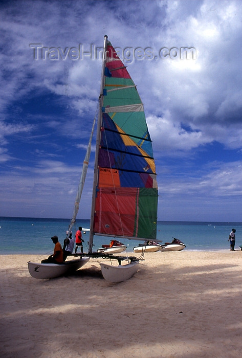 jamaica26: Jamaica - Negril: catamaran on the sand - photo by T.Brown - (c) Travel-Images.com - Stock Photography agency - Image Bank