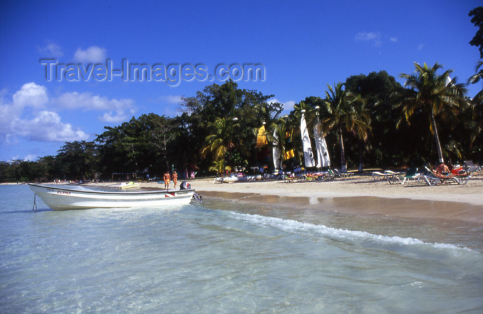 jamaica32: Jamaica - Negril: the Elena at Bloody bay - crystal clear water - photo by T.Brown - (c) Travel-Images.com - Stock Photography agency - Image Bank