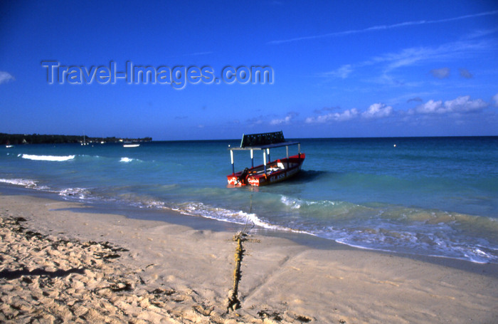 jamaica35: Jamaica - Negril: glass bottom boat - 7-Mile Beach - photo by T.Brown - (c) Travel-Images.com - Stock Photography agency - Image Bank