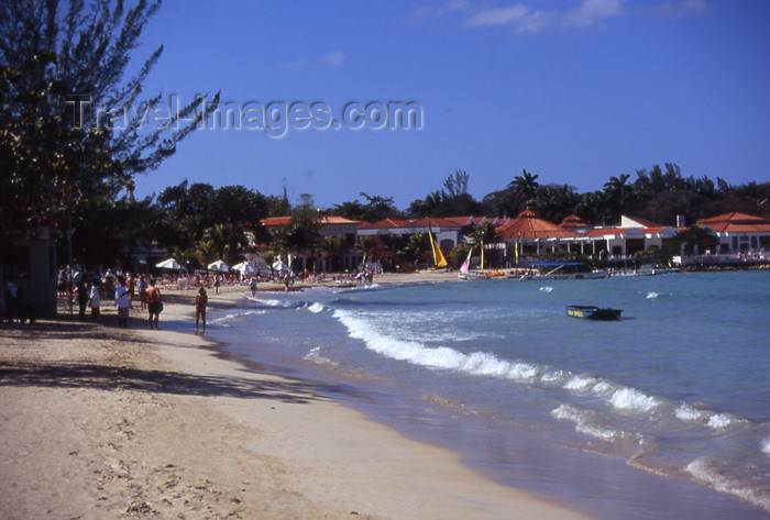 jamaica44: Jamaica - Negril: beach walk - photo by T.Brown - (c) Travel-Images.com - Stock Photography agency - Image Bank