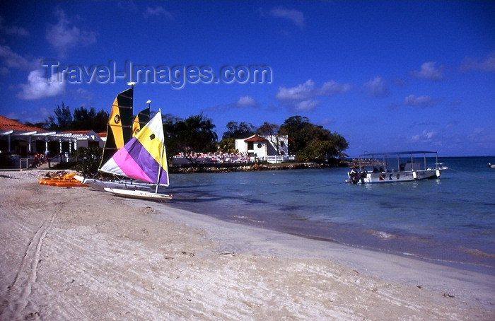 jamaica47: Jamaica - Negril: white sand - photo by T.Brown - (c) Travel-Images.com - Stock Photography agency - Image Bank