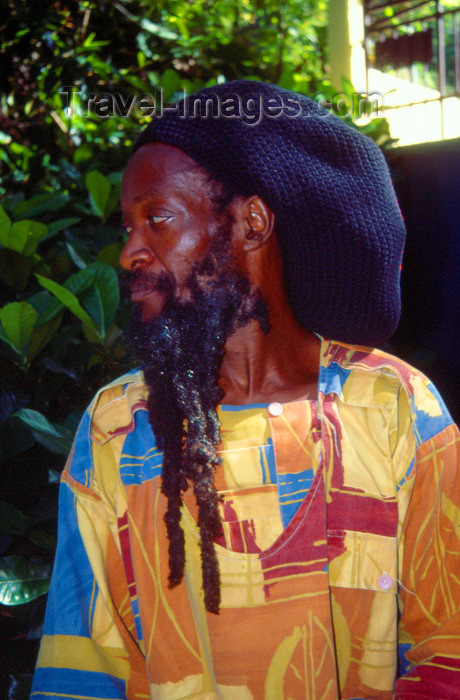 jamaica51: Jamaica - Dunns River Falls: Rastafarian man with cap and long beard - photo by Francisca Rigaud - (c) Travel-Images.com - Stock Photography agency - Image Bank