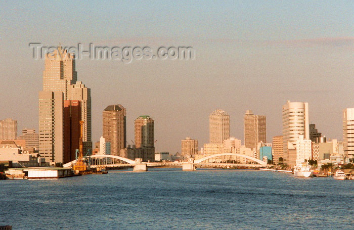 japan1: Japan - Tokyo / NRT / HND (Honshu island): Skyline - the bay - photo by M.Torres - (c) Travel-Images.com - Stock Photography agency - Image Bank