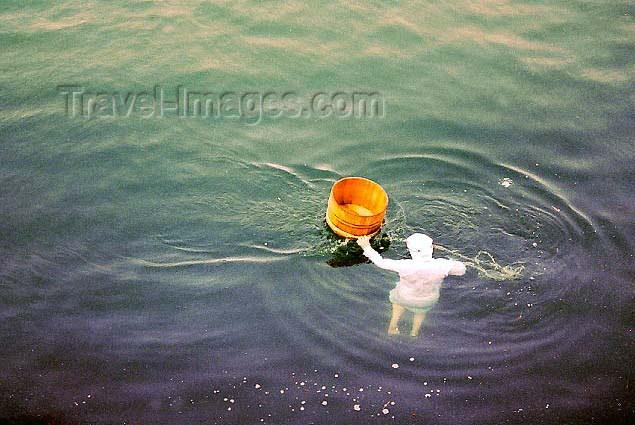 japan23: Japan - Kobe - Honshu island: pearl fisher diving - photo by Cornelia Schmidt - (c) Travel-Images.com - Stock Photography agency - Image Bank